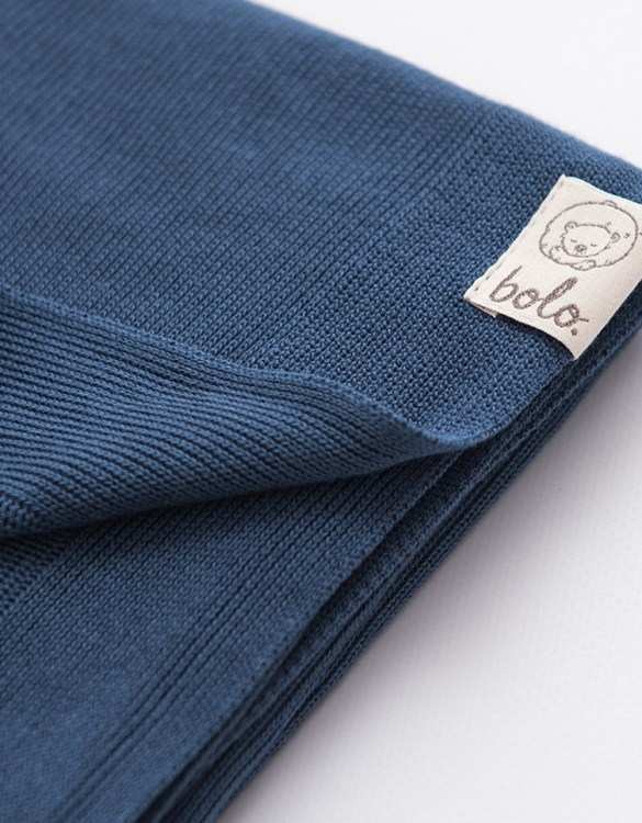 Chic and cozy, the Navy Blue Light Baby Bamboo Blanket adds a playful touch that will catch your little one's attention. The super soft material of this hooded baby blanket, feels almost like felt and is perfect for wrapping a new bundle of joy up in and is the perfect way of welcoming a new baby home.