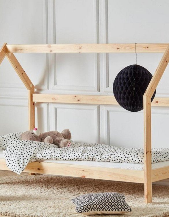 Turn bedtime into a magical adventure with the Hausbett Toddler Montessori Bed. An amazing Montessori bed for children where they can sleep and play.