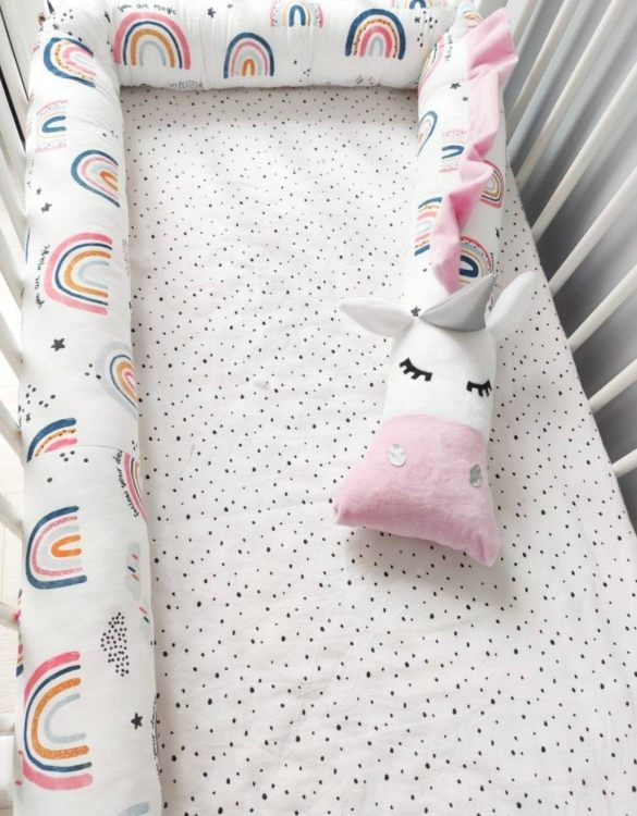 Highly practical and gorgeous looking cot bedding, the Unicorn Rainbow Cot Bumper is perfect to welcome a new baby at home! It is not only a protection but also a soft friend who will make sure that the child does not feel lonely during sleep.