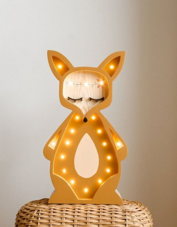 Light up your little one's room with the Wooden Fox Lamp with Visible Wood, we think bedtime just got easier! The children's night light will help inspire your kids' love for the outdoors and dreams of big adventures and will help add a sense of calm to your little one's bedroom.