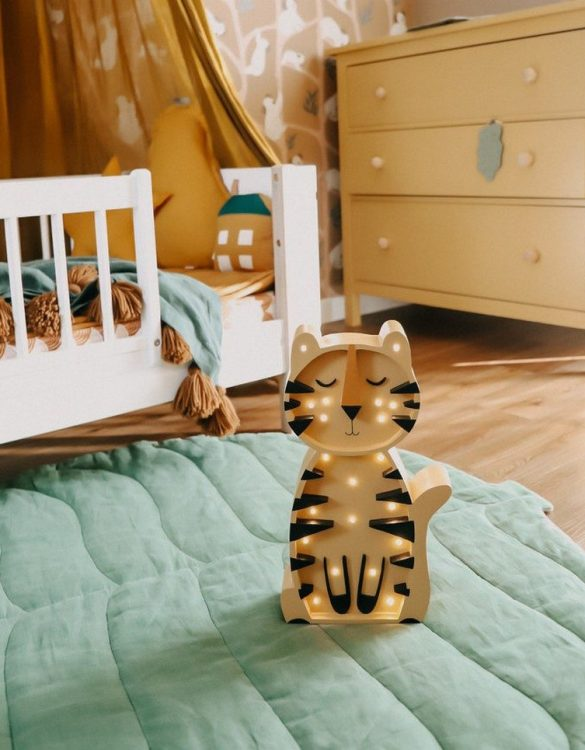 Light up your little one's room with the Wooden Tiger Lamp, we think bedtime just got easier! The children's night light will help inspire your kids' love for the outdoors and dreams of big adventures and will help add a sense of calm to your little one's bedroom.