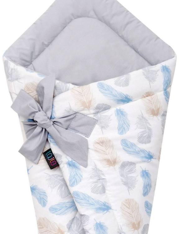 A delightful new-born baby or baby shower present, the Blue Feathers Swaddle Blanket makes a truly unique gift. Babies love to be cuddled from birth as it reminds them of the womb- an environment they spent a lot of time in while they developed.