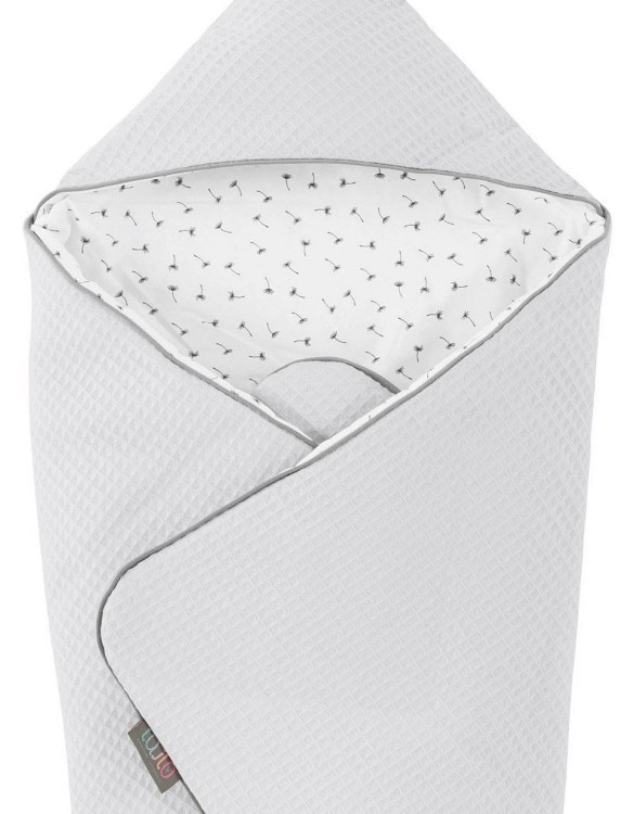 A delightful new-born baby or baby shower present, the Paloma Hooded Swaddle Blanket makes a truly unique gift. Babies love to be cuddled from birth as it reminds them of the womb- an environment they spent a lot of time in while they developed.
