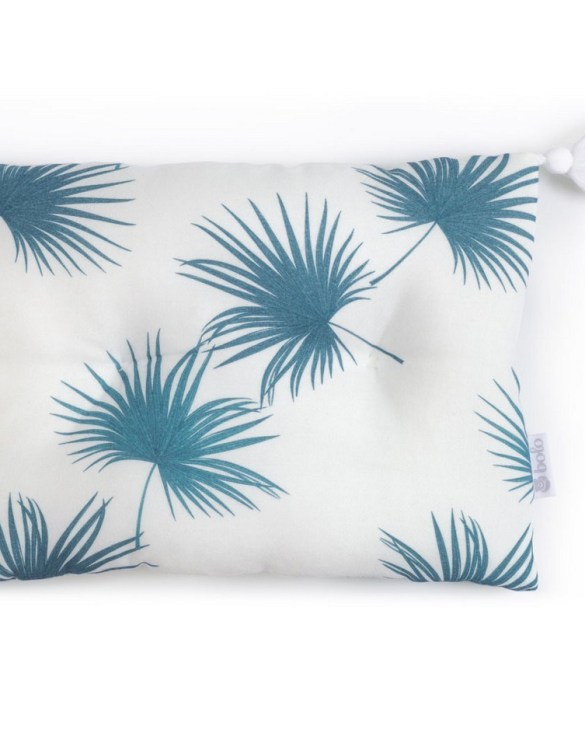 Perfect to suit your nursery theme, the Sea Leaves Bamboo Baby Pillow makes going to bed something special, an ideal way to conjure up sweet dreams. The perfect way to end the day this baby head pillow makes a great addition to any child's room and is a fun way to make sure that it feels special to them.