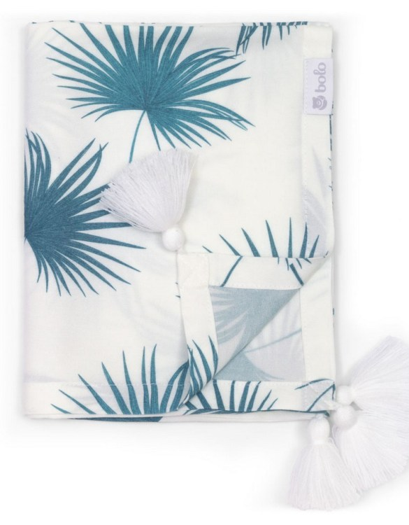 Giving a beautifully soft feel, the Sea Leaves Bamboo Swaddle Blanket is a lovely lightweight swaddle blanket for your little one. A gift that's sure to be spotted from all the rest.