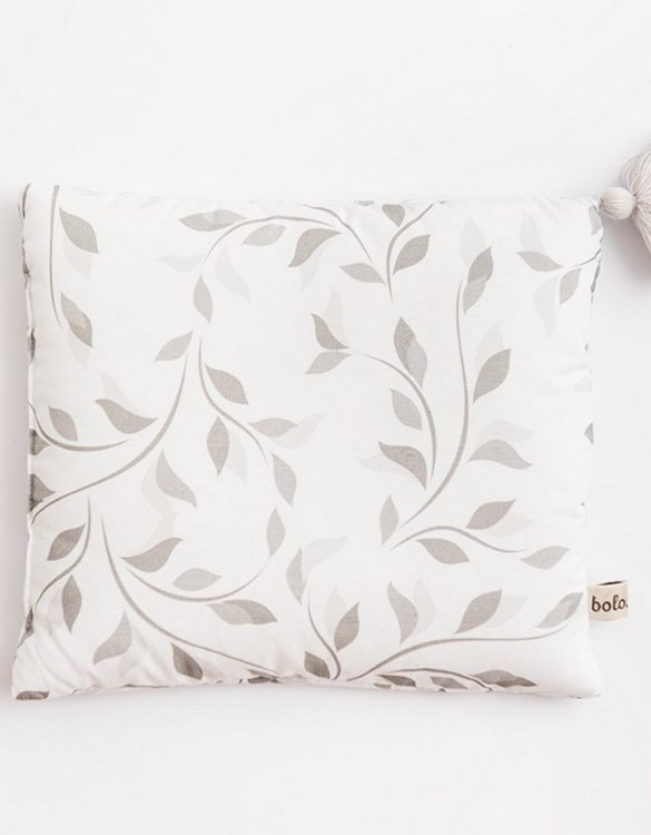 Perfect to suit your nursery theme, the Twigs Small Cotton Baby Pillow makes going to bed something special, an ideal way to conjure up sweet dreams. The perfect way to end the day this baby head pillow makes a great addition to any child's room and is a fun way to make sure that it feels special to them.