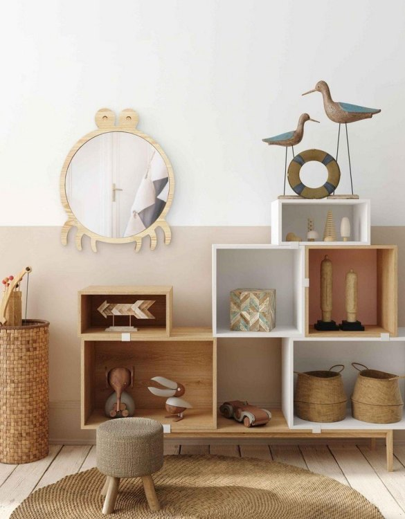 A modern design that will please you and your little one, the Big Solid Pinewood Mirror Crab fits perfectly in the nursery or kids' room. Safe and unbreakable acrylic mirror made of high-quality solid pinewood.