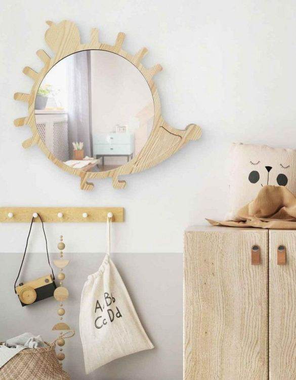 A modern design that will please you and your little one, the Big Solid Pinewood Mirror Hedgehog fits perfectly in the nursery or kids' room. Safe and unbreakable acrylic mirror made of high-quality solid pinewood.