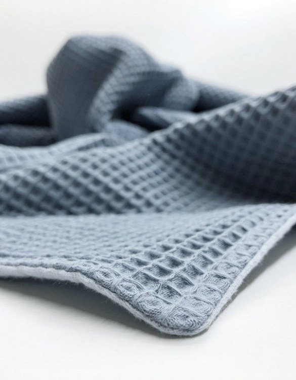 Treat your little one to cosy comfort, the Grey Blue - Light Blue Waffle Blanket will keep baby feeling secure and warm, perfect for keeping your baby comfortable when you're out and about. A tender wrap makes your baby feel safe and secure in the big, new world.