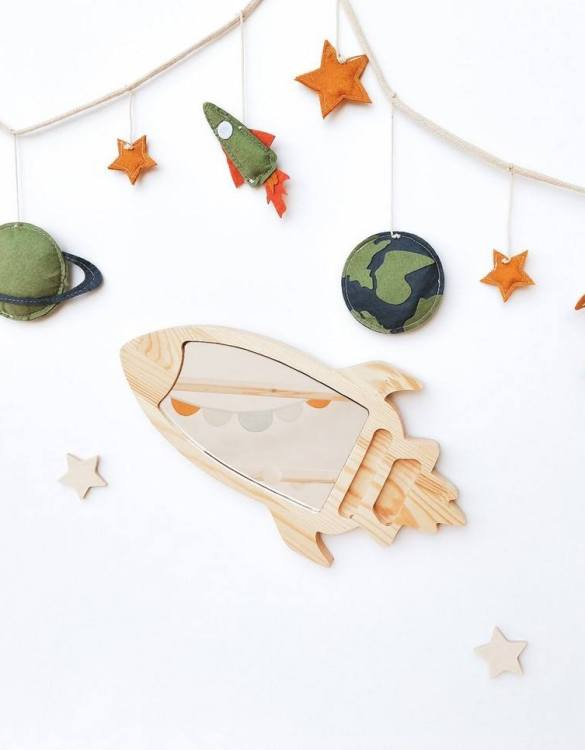 A modern design that will please you and your little one, the Solid Pinewood Mirror Space Rocket fits perfectly in the nursery or kids' room. Safe and unbreakable acrylic mirror made of high-quality solid pinewood.