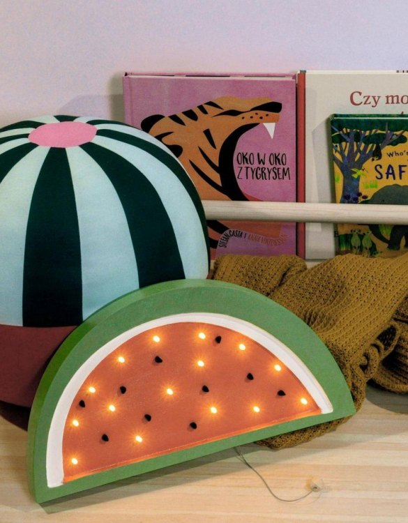 Creating a special and warming atmosphere in your bedroom, the Wooden Watermelon Lamp is ideal for a night light or as a gift. What about a picnic in your own living room? This Watermelon lamp will surely give your interior a cheerful appearance and help you keeping Summer vibes in your home all year round.and positive energy.
