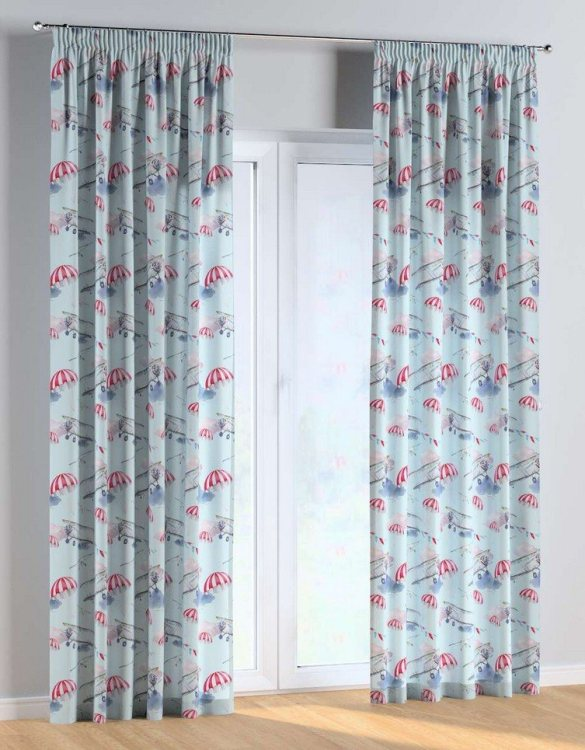 For all those early risers, the Aeroplane Pencil Pleat Kids Curtains is truly a delightful theme for an imaginative toddler. These colourful and vibrant nursery curtains are suitable for girls, boys or toddler bedrooms.