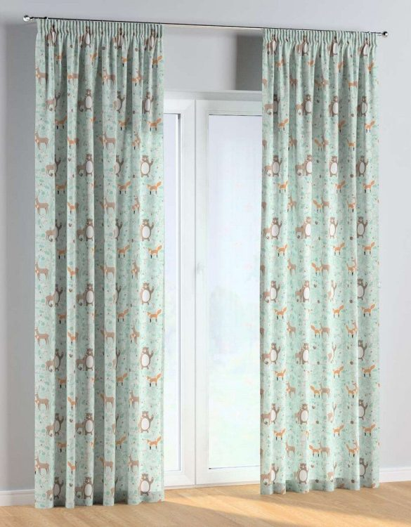 For all those early risers, the Forest Friends Pencil Pleat Kids Curtains is truly a delightful theme for an imaginative toddler. These colourful and vibrant nursery curtains are suitable for girls, boys or toddler bedrooms.
