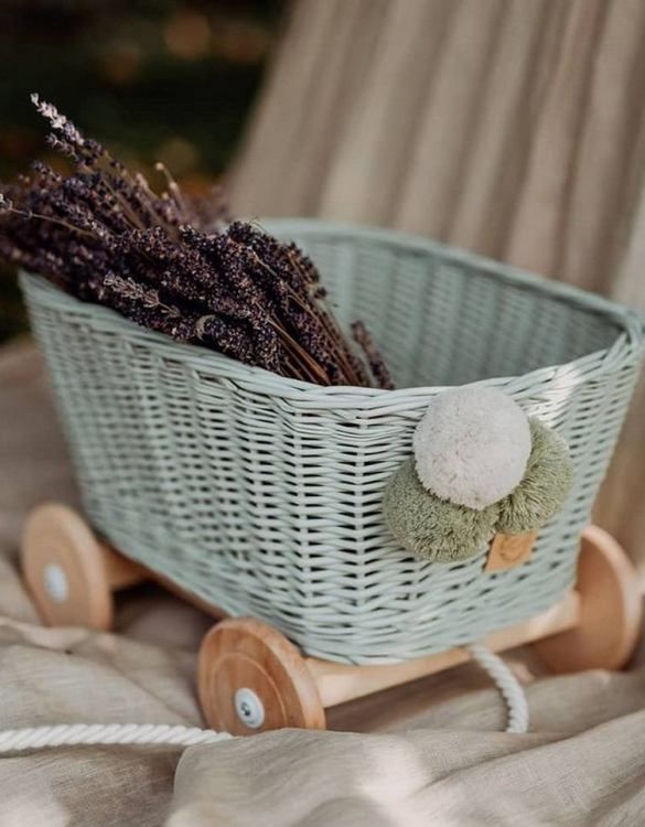 A healthy alternative to other toys, the Sage Wicker Pull Cart is an artistic handicraft with perfectly selected details. The wicker stroller will not only be a great toy, but also an extraordinary decoration for a child's room.