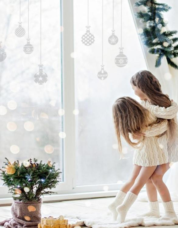 A beautiful scene for children's rooms and nurseries, the Christmas Ornaments Children's Wall Sticker is the perfect addition to any empty space (like walls or furniture). These wall stickers provide a flexible and cost-effective way to decorate your home.