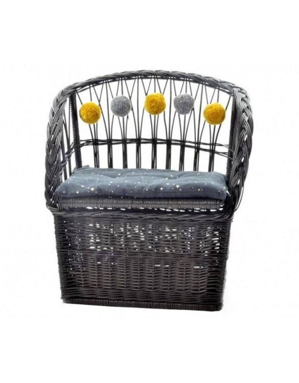 Great for creating a cosy corner, the Graphite Wicker Seat With Trunk is perfect as a decorative statement in your living room. These amazing wicker seats with storage are the perfect solution to your storage needs.