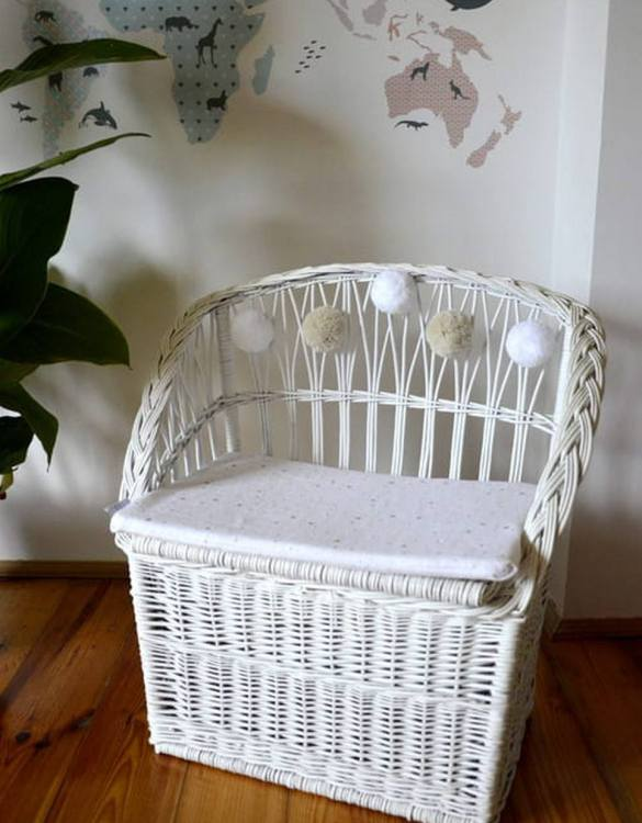Great for creating a cosy corner, the White Wicker Seat With Trunk is perfect as a decorative statement in your living room. These amazing wicker seats with storage are the perfect solution to your storage needs.