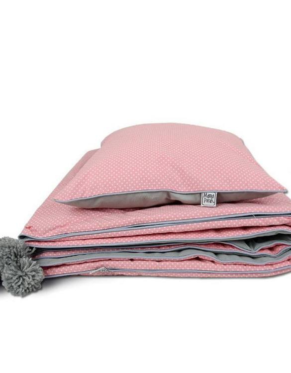 A beautiful addition to your child's bed, the Coral Children's Bed Throw will cheer up any room and give an amazing, stylish look. This children's throw would make a wonderful new baby gift or baby keepsake and will look beautiful in their nursery.