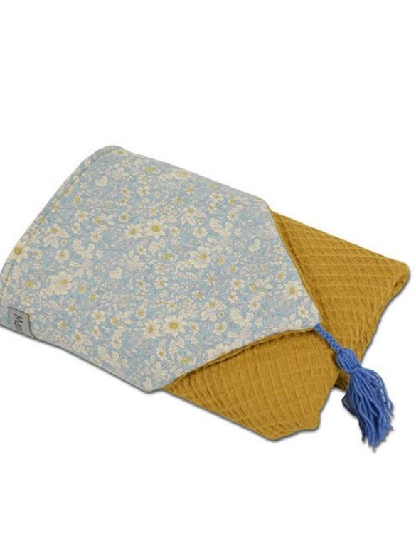 Great for gifting, the Hooded Towel Ochre Flowers is made from a beautiful 100% cotton terrycloth to make an absorbent yet lightweight fabric. A soft infant hooded towel with a charming muslin hood.