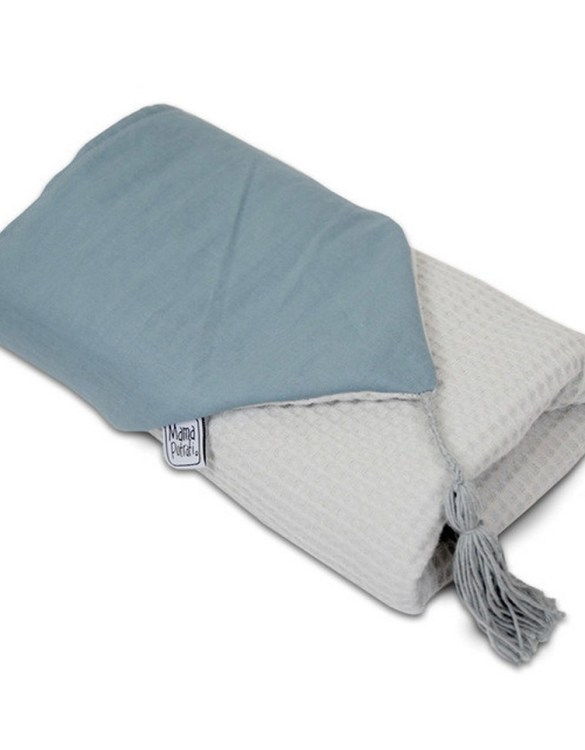 Great for gifting, the Hooded Towel Scandi Blue is made from a beautiful 100% cotton terrycloth to make an absorbent yet lightweight fabric. A soft infant hooded towel with a charming muslin hood.