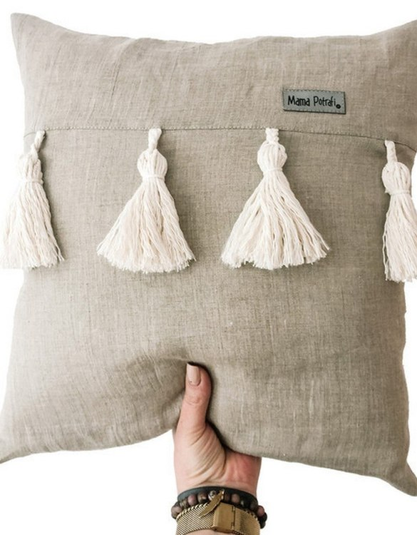 Perfect for any little one or teenager's bedroom, the Linen Boho Children's Pillow is great for finishing up your little one's playroom. Your kids will love it! This children's cushion is super soft and super cute. A beautiful addition to any nursery or kids' room.