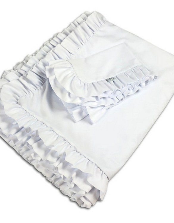 Create a wonderfully poetic effect in the nursery with the Ruffle Bedding Set White. This delightful baby bedding set is the perfect choice for a contemporary nursery and it will quickly become friends for your little one's dreams.