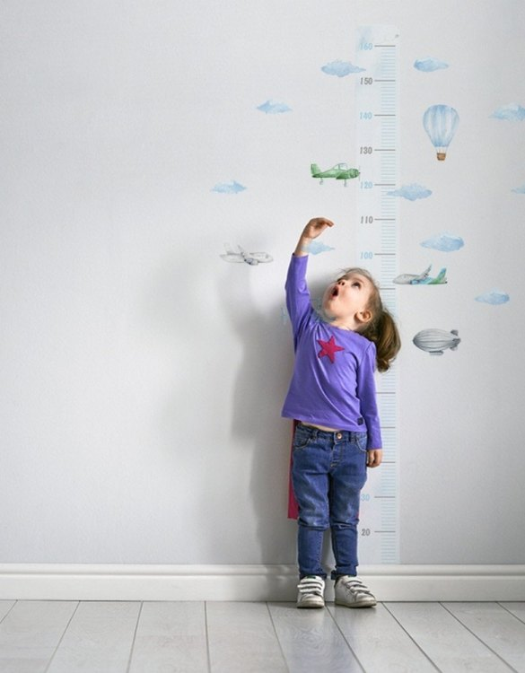 A real eye-catcher in every child's room, the Airplanes in the Clouds Child Growth Chart is the perfect way to follow your child's development and growth. Bright and colourful, this height chart wall sticker will look good in nurseries, bedrooms, or playrooms.