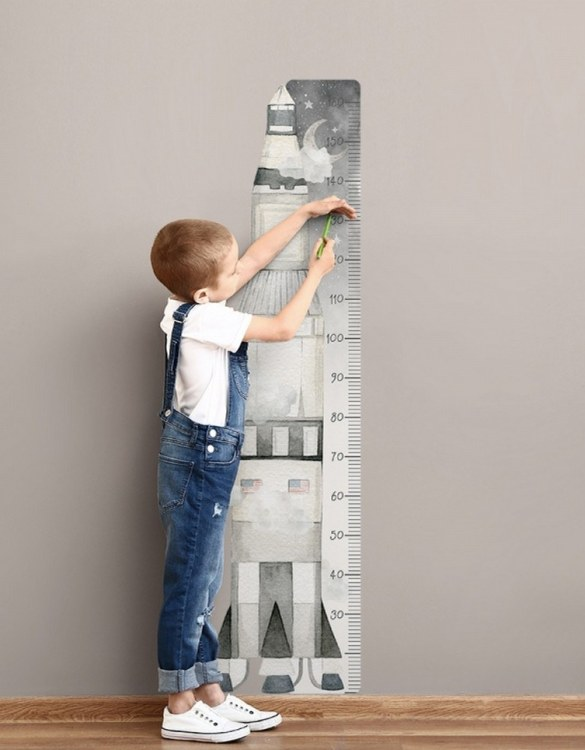 A real eye-catcher in every child's room, the Kosmos Child Growth Chart is the perfect way to follow your child's development and growth. Bright and colourful, this height chart wall sticker will look good in nurseries, bedrooms, or playrooms.