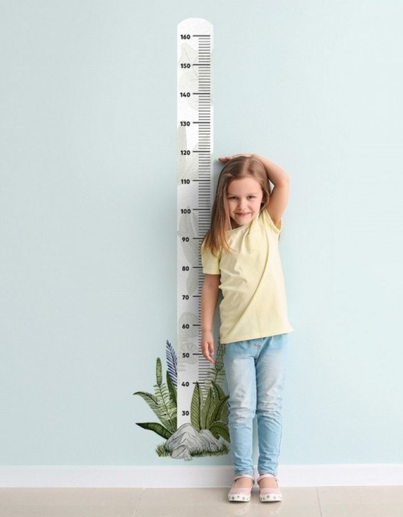 A real eye-catcher in every child's room, the The Plant Child Growth Chart is the perfect way to follow your child's development and growth. Bright and colourful, this height chart wall sticker will look good in nurseries, bedrooms, or playrooms.