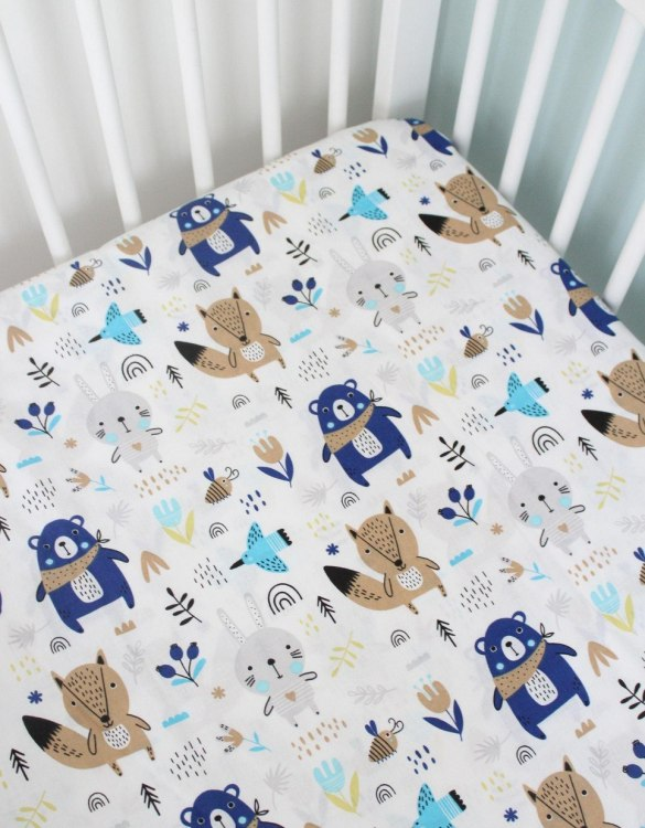 Perfect as a gender-neutral choice, the Bears and Foxes Fitted Crib Sheet will fit any crib bed or next to me pods. This fitted cot sheet is a perfect addition to spruce up your little bub's nursery.