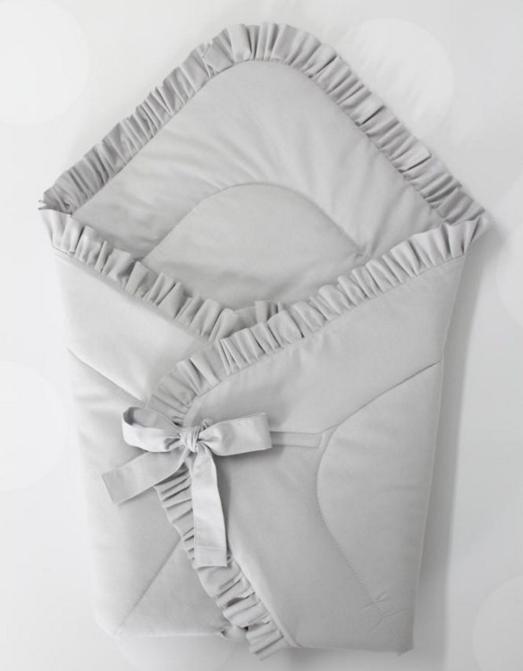 A great idea for newborns, the Light Gray Baby Horn With a Frill is the perfect accessory for the busy on the go parent. Keeps your baby comfortable with out the hassle of losing dropping or running over your blanket!