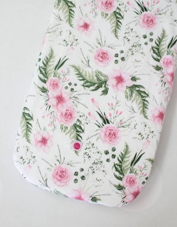 Perfect as a gender-neutral choice, the Peonies Fitted Crib Sheet will fit any crib bed or next to me pods. This fitted cot sheet is a perfect addition to spruce up your little bub's nursery.