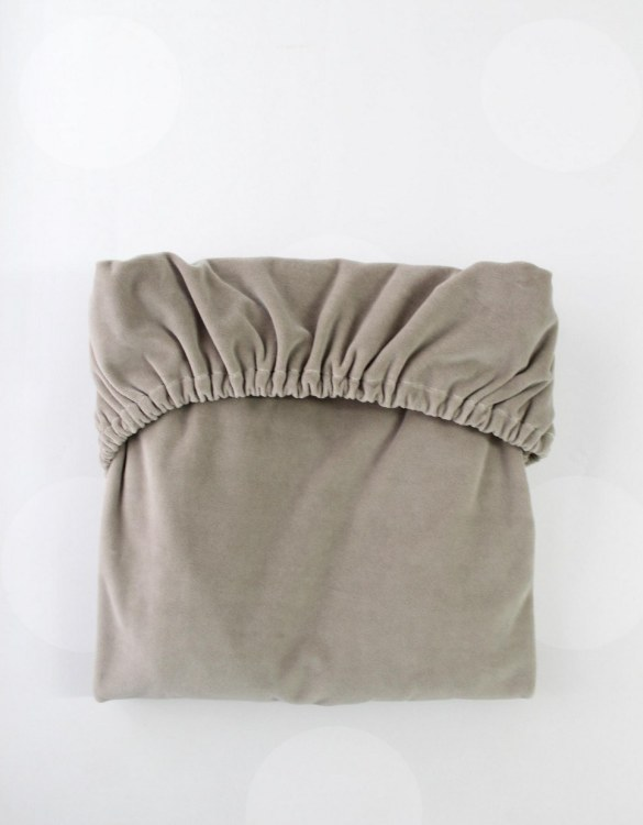 Perfect as a gender-neutral choice, the Zinc Cotton Velour Fitted Crib Sheet will fit any crib bed or next to me pods. This fitted cot sheet is a perfect addition to spruce up your little bub's nursery.