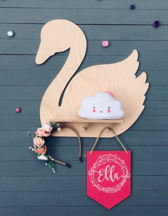 The perfect way to display your treasures, the Natural Swan Children's Wall Shelf is a beautiful addition to any child's bedroom or playroom! Put decorations, stuffed animals or smaller toys on the shelf and get a unique element of a children's room.