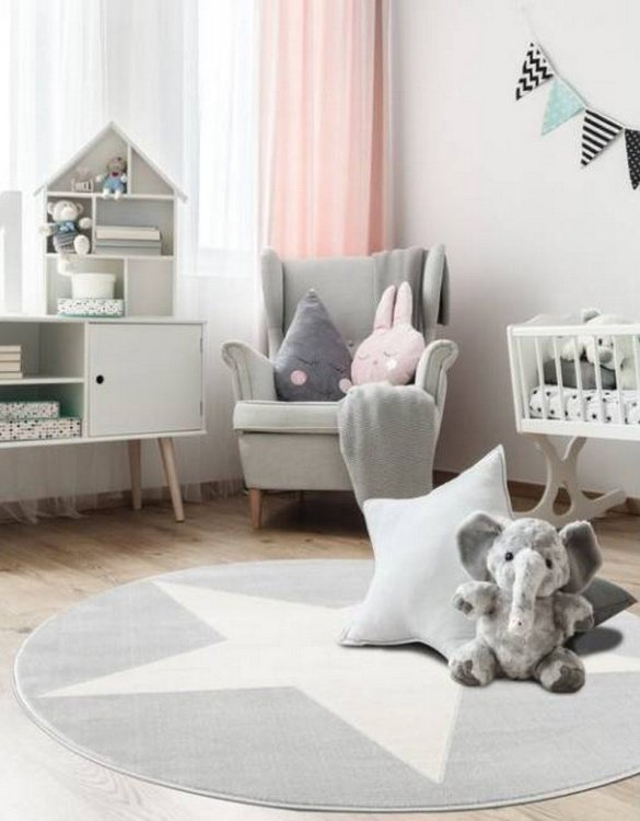 The perfect accessory for any nursery or child's bedroom, the Hollywood Star Children's Round Rug is a dreaminess that will certainly inspire your little one's creative play.