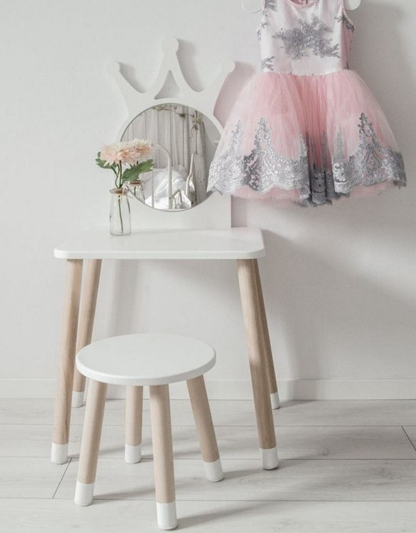 Combining a desk and a space for endless role-play, the Crown Children's Table does not tell your child what it is but waits for them to decide. Turn your child's room into a real fairytale. This playful kid's table will reliably make every little one happy.
