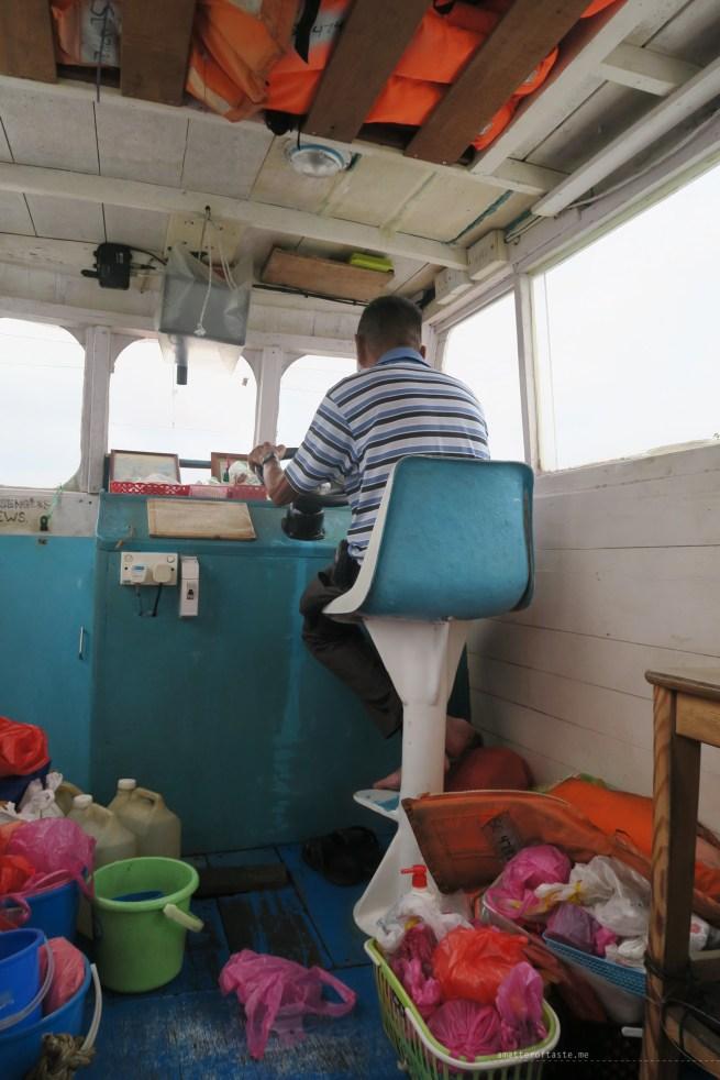 02-pulau-ubin-boat