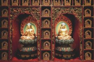 05-Buddha-Tooth-Relic-Temple-singapore-statues