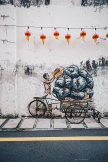 Ipoh street art man