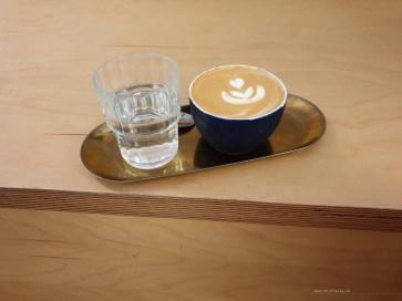 Madrid Coffee flat white hola