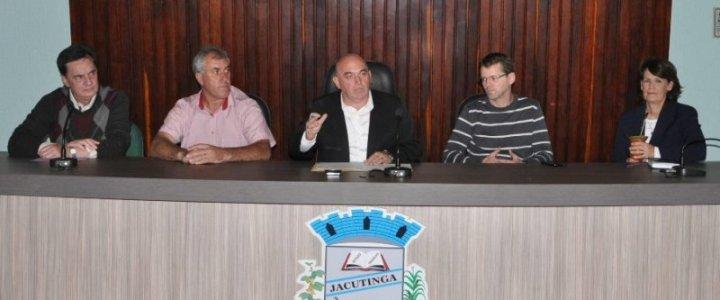 Jacutinga sedia assembleia da AMAU