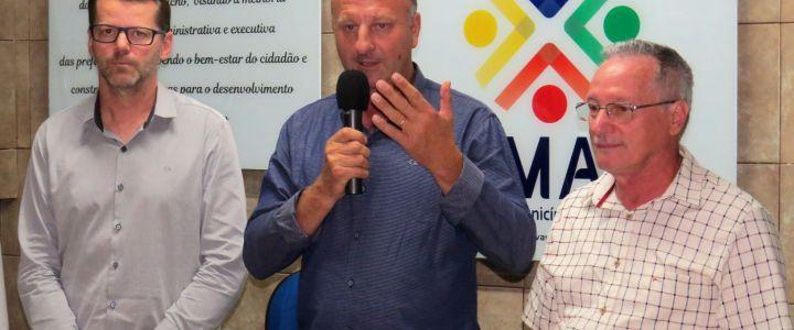 PREFEITO MARIO CERON É O NOVO PRESIDENTE DA AMAU