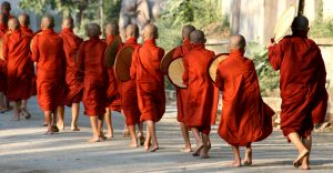 barma buddhismus mniši