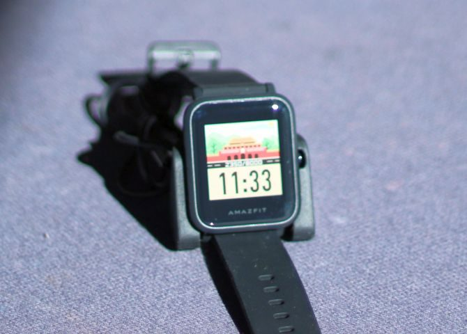 transflective-display-amazfit-bip-670x480.jpg