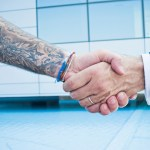 10 Tips Menyembunyikan Tato di Lengan Saat Wawancara Kerja