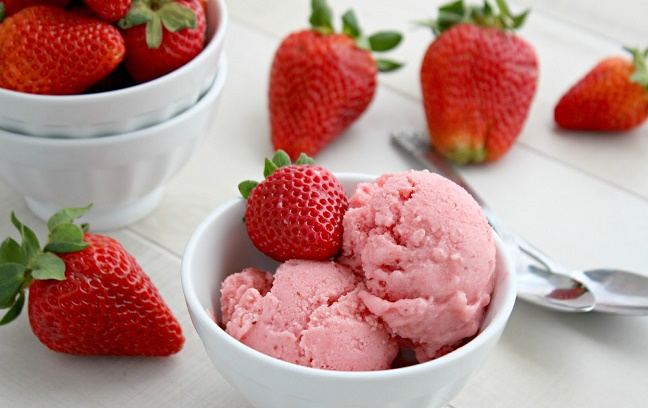 Frozen Yogurt Stroberi