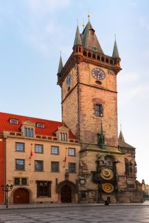 Town Square Prague - Discover Beauty Of Czechia'