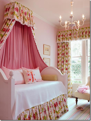 little girls pink bedroom with canopy bed Fairytale Canopy Beds For Your Little Princess!