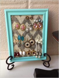 10 Lovely DIY Earring Holder Ideas for You