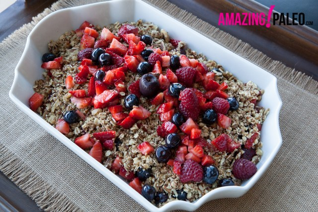 29 Paleo Treat Recipes- Paleo Nut and Berry Crunch